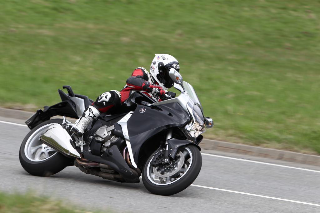 Fahrbericht Honda VFR 1200F: Hightech-Tourer