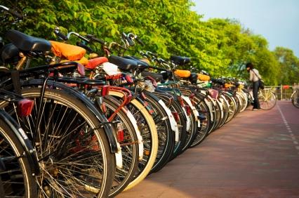 Fahrrad-Lenkergriffe: Mit Seife oder Spiritus gegen Klebeeffekt