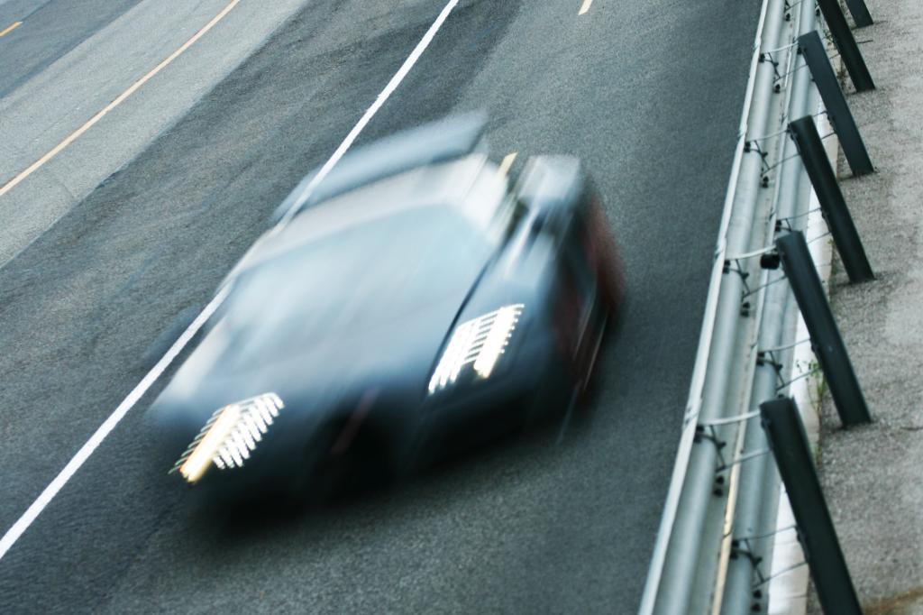 Nicht umsonst reicht der erste Gang bis 104 km/h und die Stoppuhr hat dann noch nicht die drei Sekunden voll