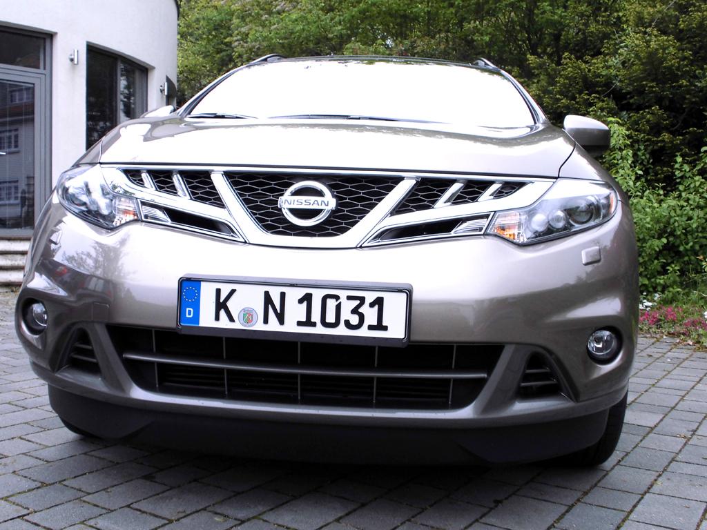 Nissan Murano: Blick auf die bullige Frontpartie.