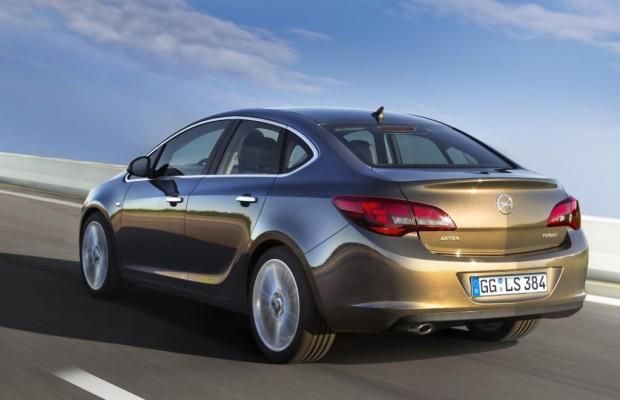 Opel Astra Stufenheck - Der kleine Insignia