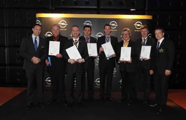 Opel ehrt Verkaufsleiter und Verkäufer