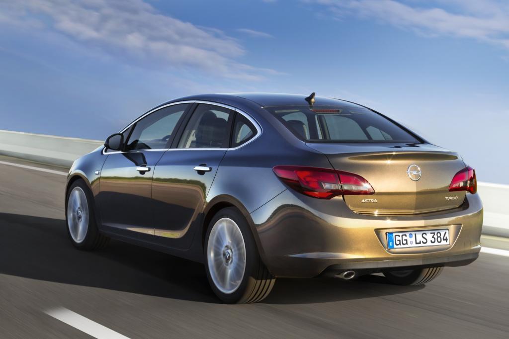 Opel verpasst dem Astra ein Stufenheck