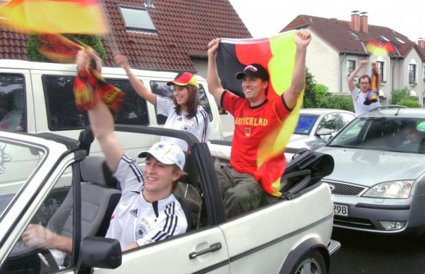 Ratgeber EM-Autokorso - Nach dem Spiel ist auf der Straße