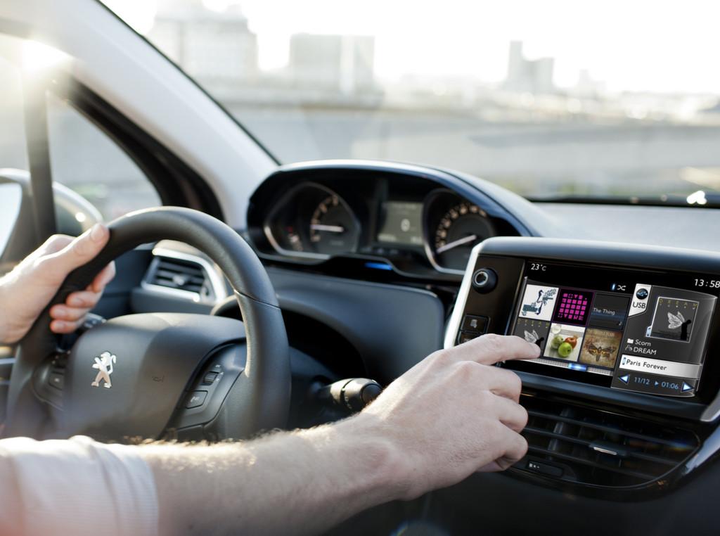 Touchscreen des Peugeot 208 erhält Design-Award