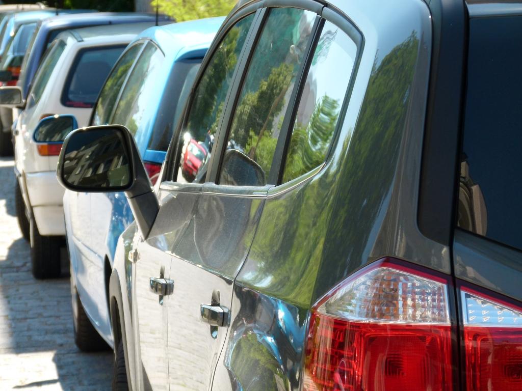 Urteil: Gäste-Parkplatz auch außerhalb der Öffnungszeiten tabu