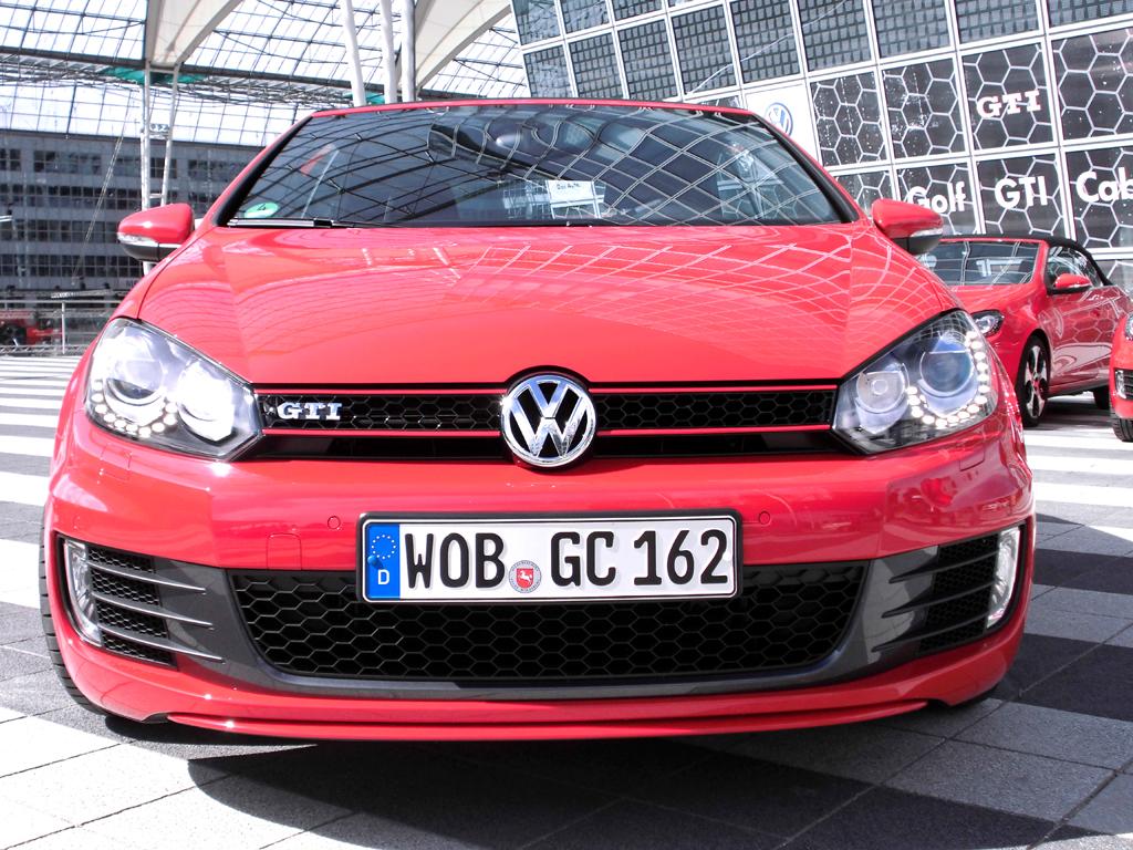 VW Golf GTI Cabrio: Blick auf die typische Frontpartie.