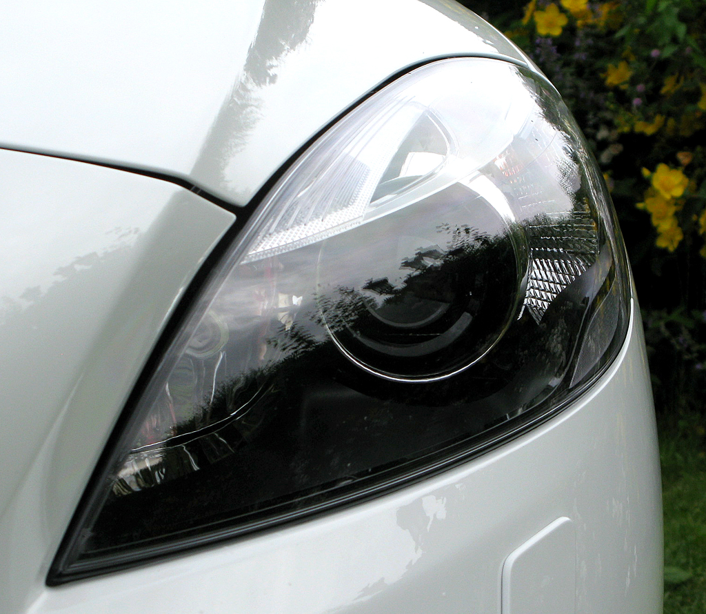 Volvo V40: Moderne Leuchteinheit vorn.