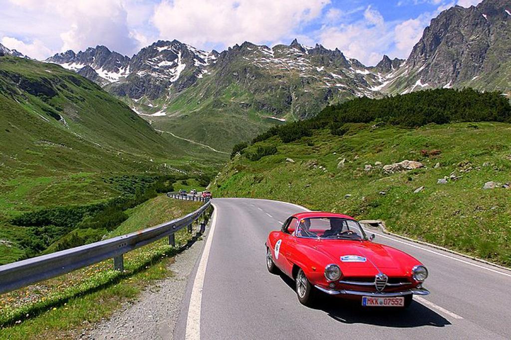 Alfa Romeo in den Bergen