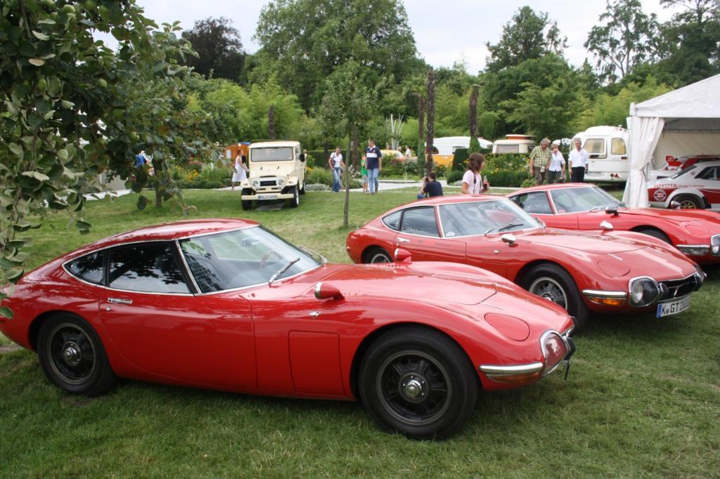 Automobile Chromjuwelen und Klassiker