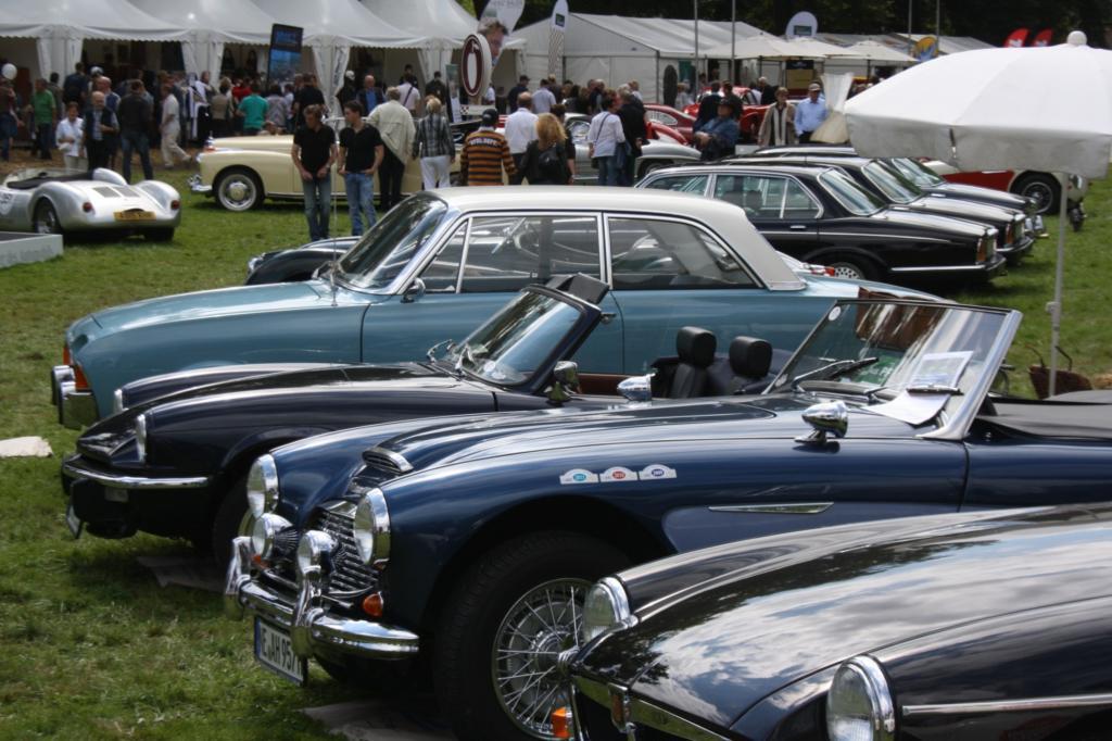 Automobile Chromjuwelen und Klassiker für alle