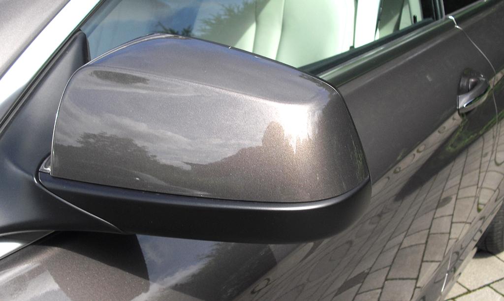BMW Coupé 640d: Blick auf den Außenspiegel auf der Fahrerseite.