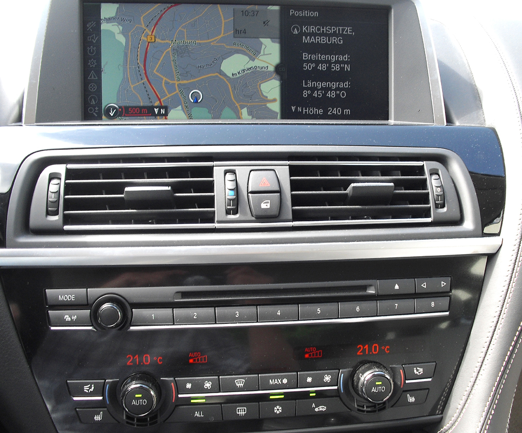 BMW Coupé 640d: Blick auf den mittleren Armaturenträger.