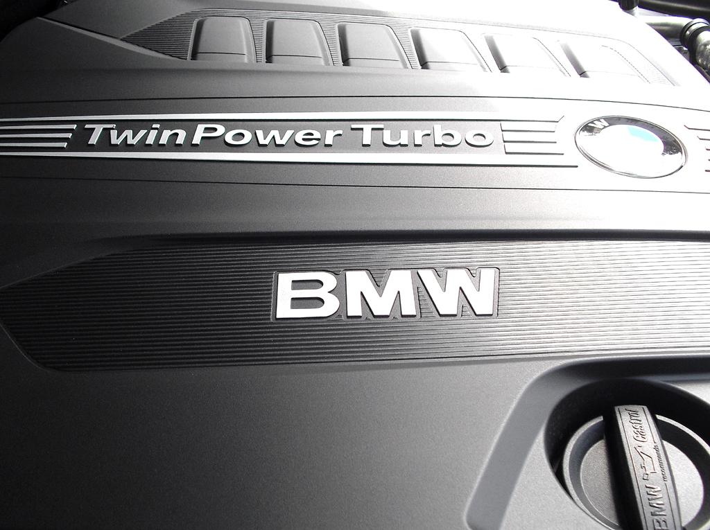 BMW Coupé 640d: Blick unter die Haube auf den Sechszylinder-Turbodiesel.