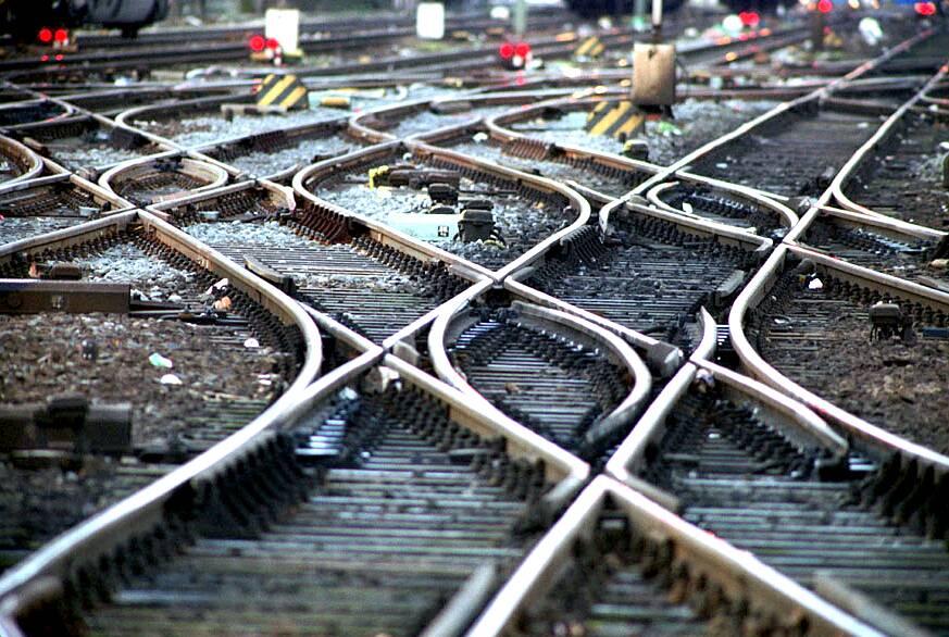 Bahn verbucht Passagierrekord auf der Schiene
