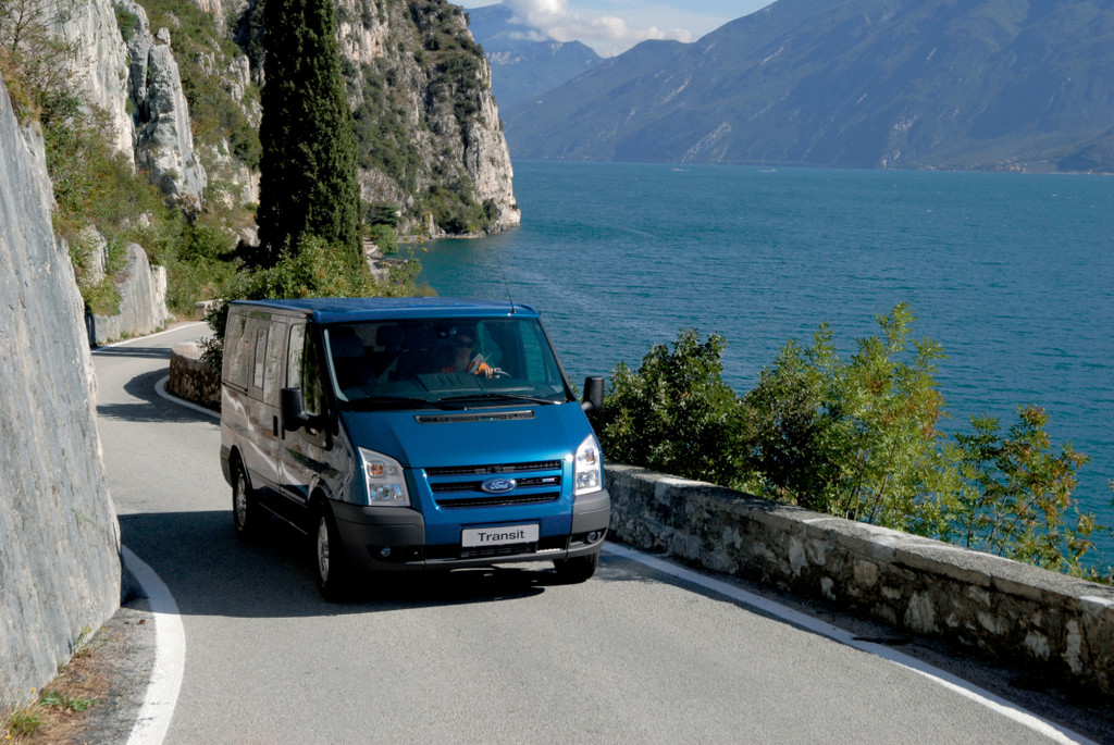 Caravan-Salon 2012: Ford zeigt Ranger, Nugget und Euroline