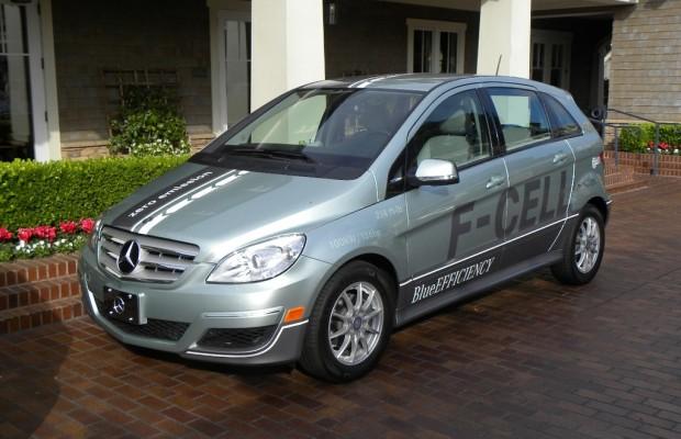Daimler nimmt mit sieben Fahrzeugen an