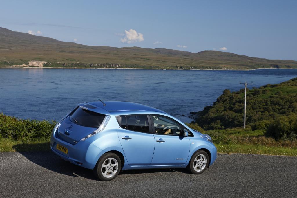 Der Nissan Leaf bewegt sich auf leisen Sohlen