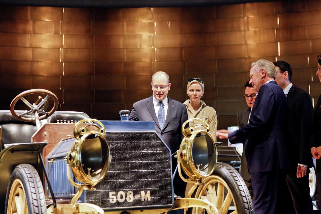 Fürst Albert II. von Monaco und Fürstin Charlène besuchten Mercedes-Benz Museum