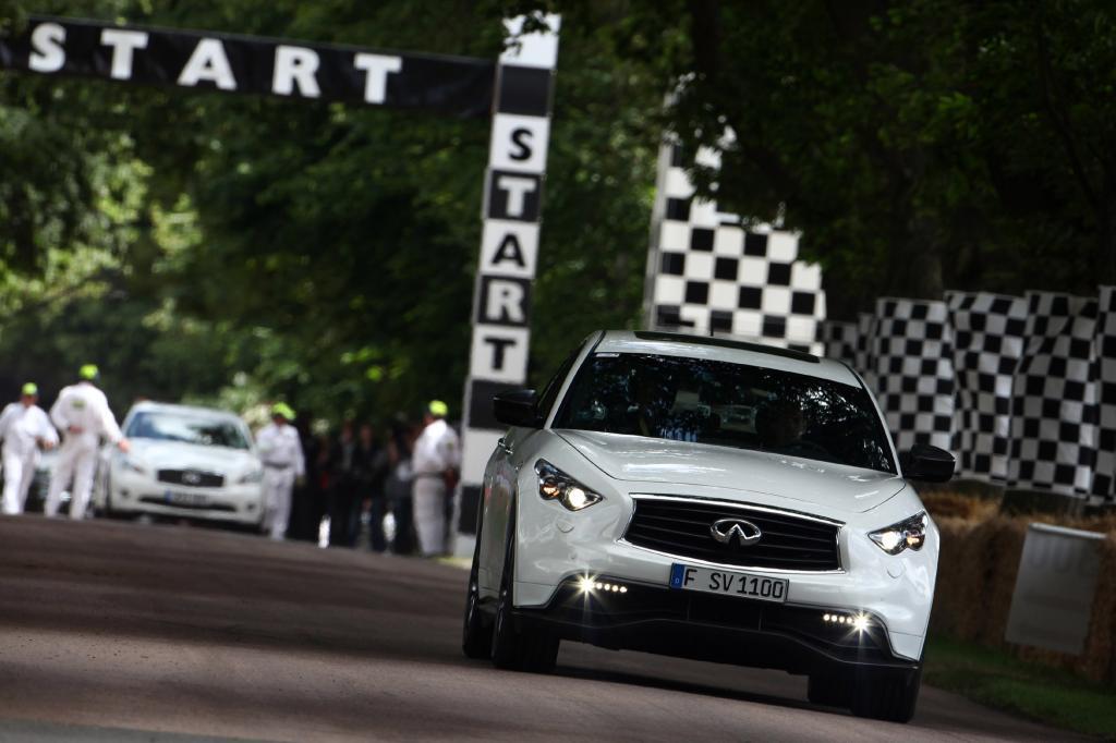 Gesehen hat der Weltmeister das Auto erst kurz vor seiner Jungfernfahrt