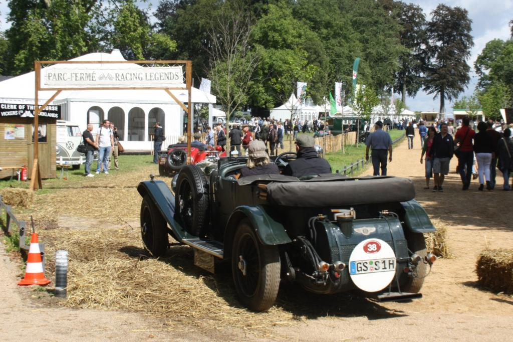 Nicht fehlen dürfen auf dem Festivalgelände die Klassikabteilungen der Automobilhersteller