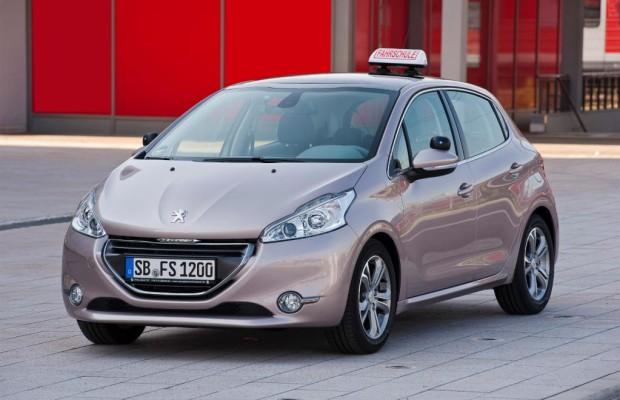 Peugeot schenkt Fahrschulen die Zusatzausrüstung