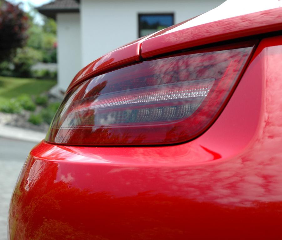 Porsche 911 Carrera S: Moderne Leuchteinheit hinten.