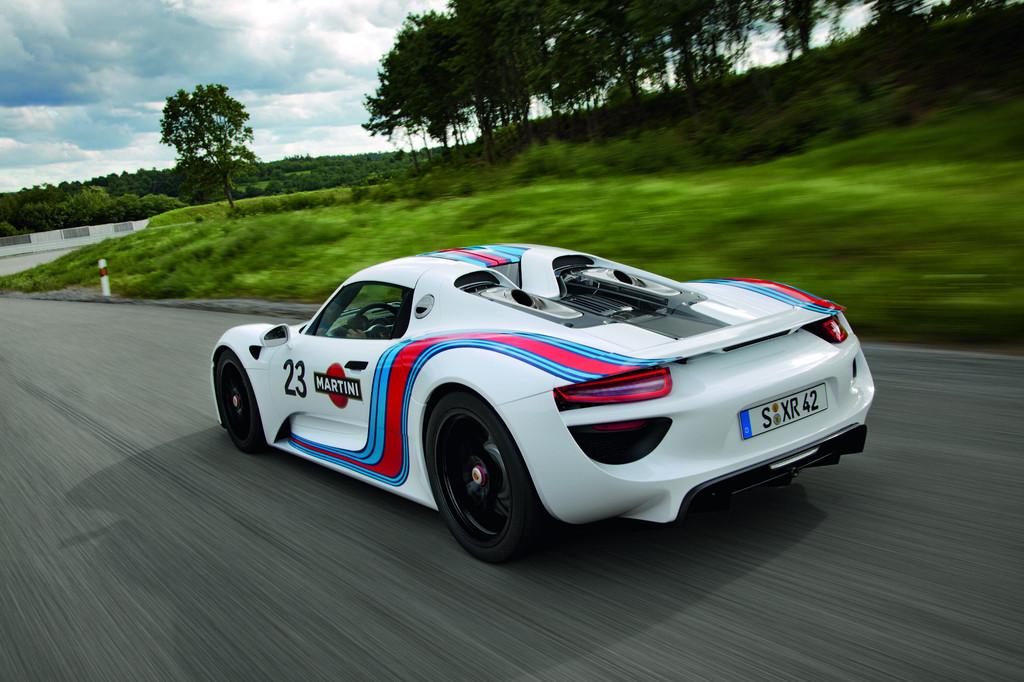 Porsche bringt 918 Spyder-Prototyp im Martini-Racing-Design
