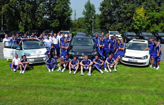 Schalke 04 absolviert Fahrsicherheitstraining bei VW
