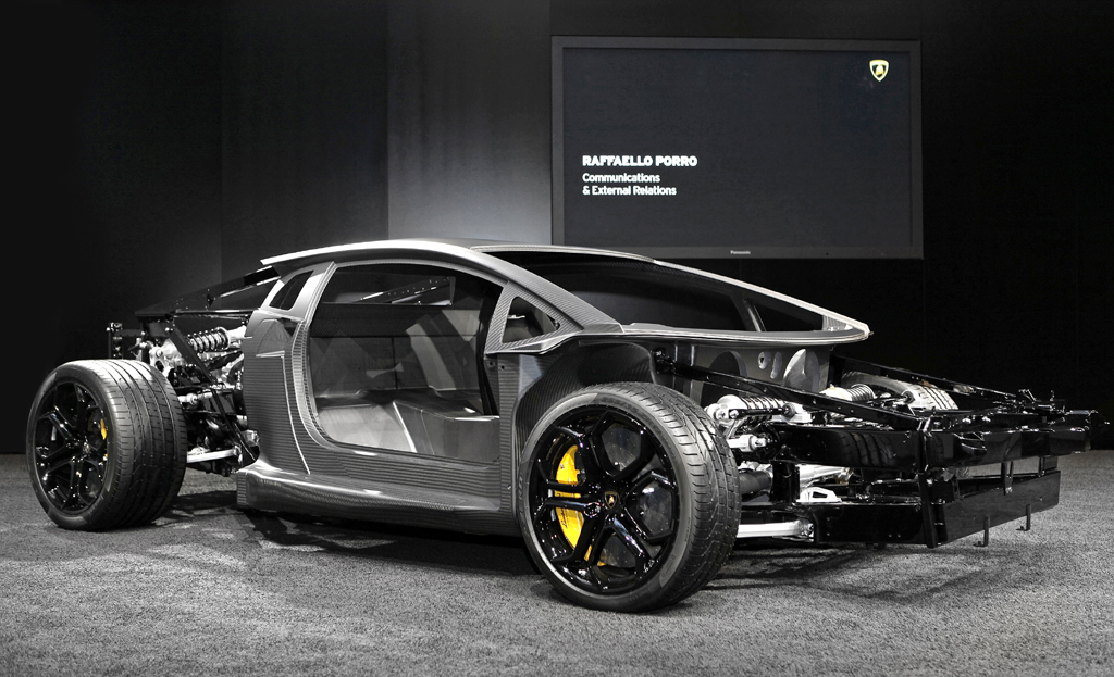 So sieht Lamborghinis Kohlefaser-Monocoque aus.