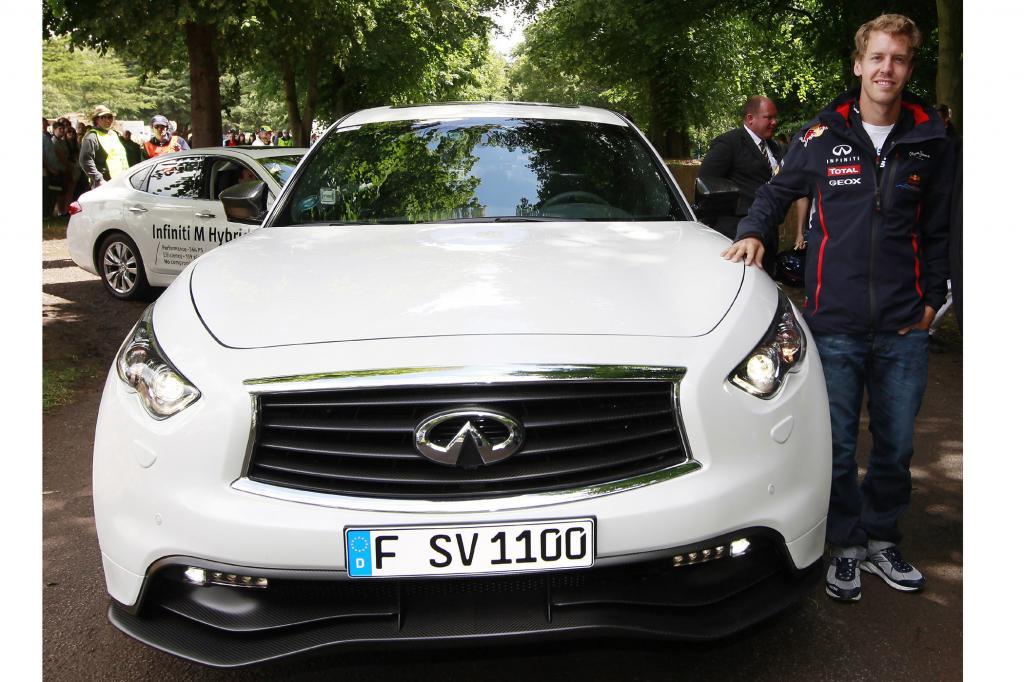 Taufpate und Entwicklungspartner Sebastian Vettel ist fast genauso aufgeregt wie der künftige Besitzer