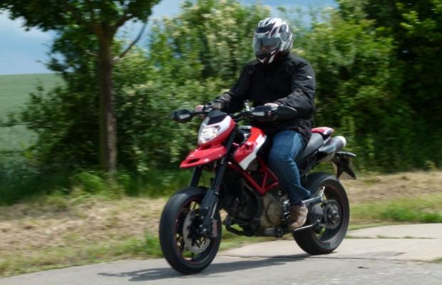 Test Ducati Hypermotard 1100 Evo SP Corse: Ein kleines Biest