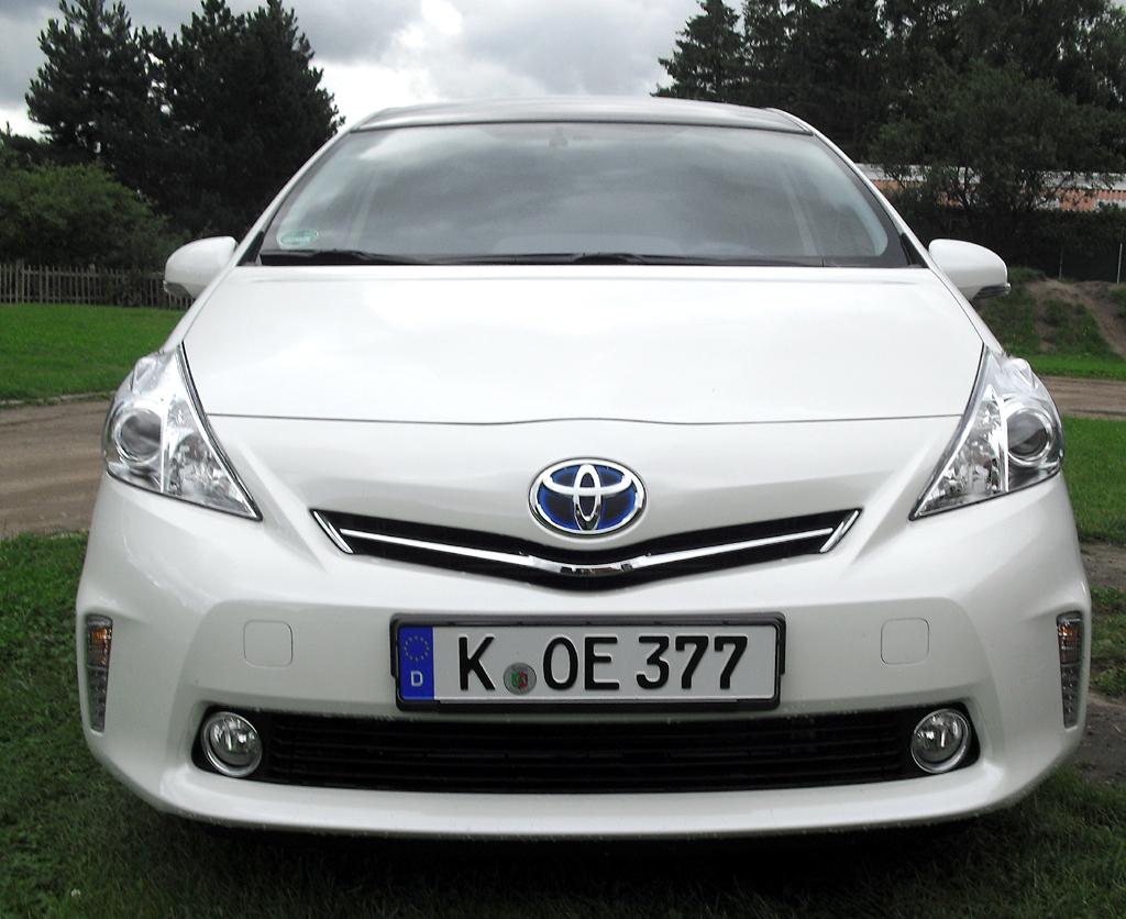 Toyota Prius+: Blick auf die Frontpartie.