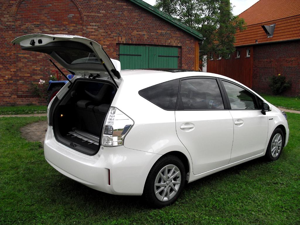 Toyota Prius+: Das Gepäckabteil fasst je nach Konfiguration dachhoch 232, 784, 1750 Liter.