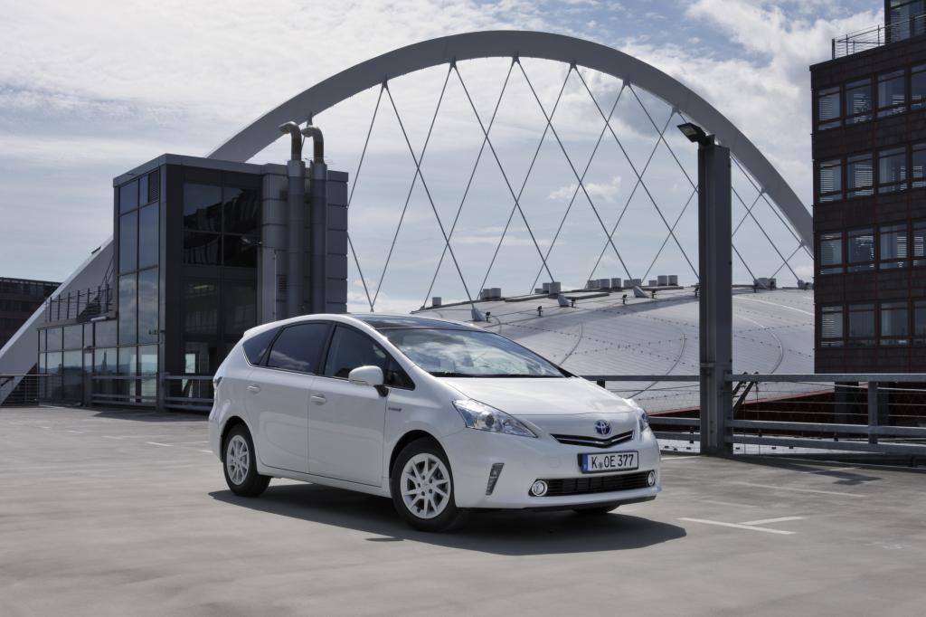 Toyota Prius+ - Hybrid für Sieben