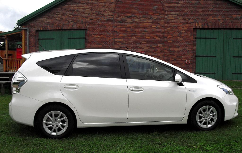 Toyota Prius+: Und so sieht der siebensitzige Van von der Seite aus.