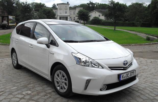 Vollhybrid mit mehr Raum: Toyota hat neuen Plus-Prius schon im Handel