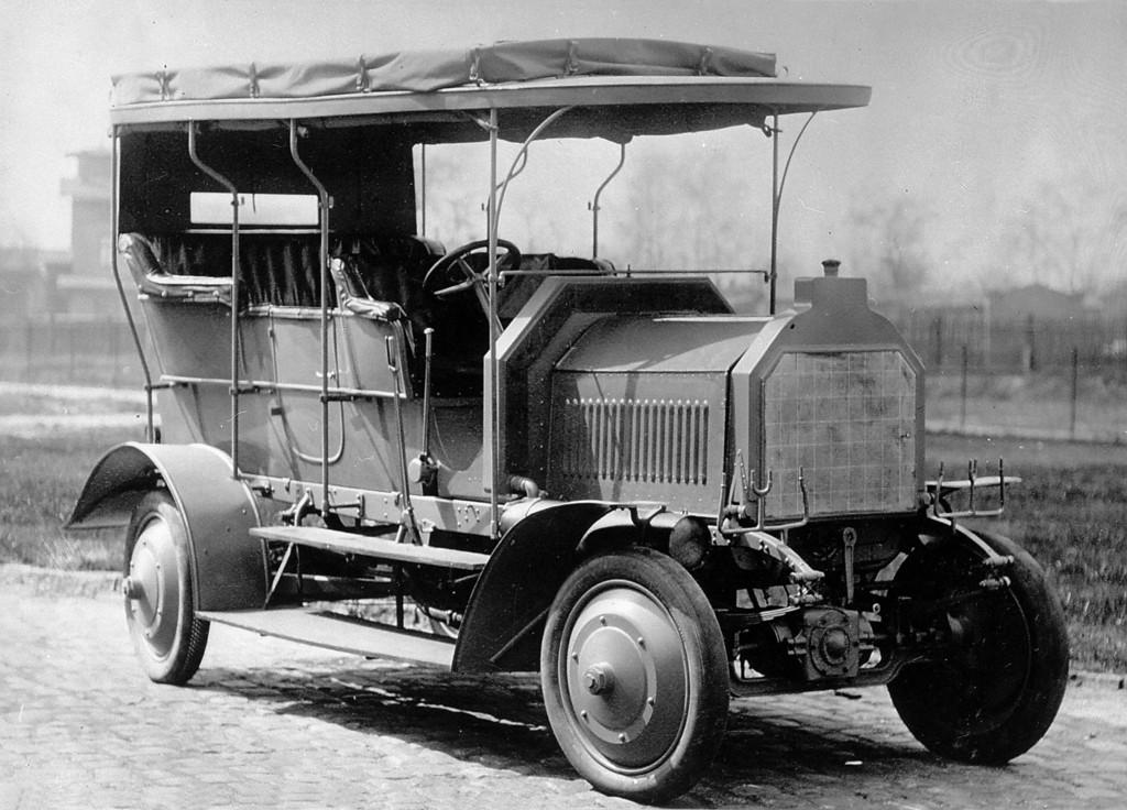 105 Jahre Allradantrieb: Es begann mit dem Dernburg-Wagen