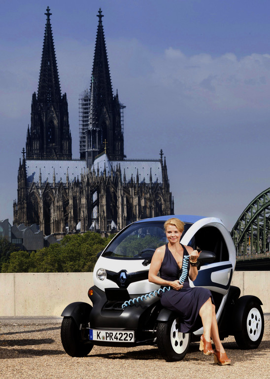 Annette Frier fährt jetzt Renault Twizy