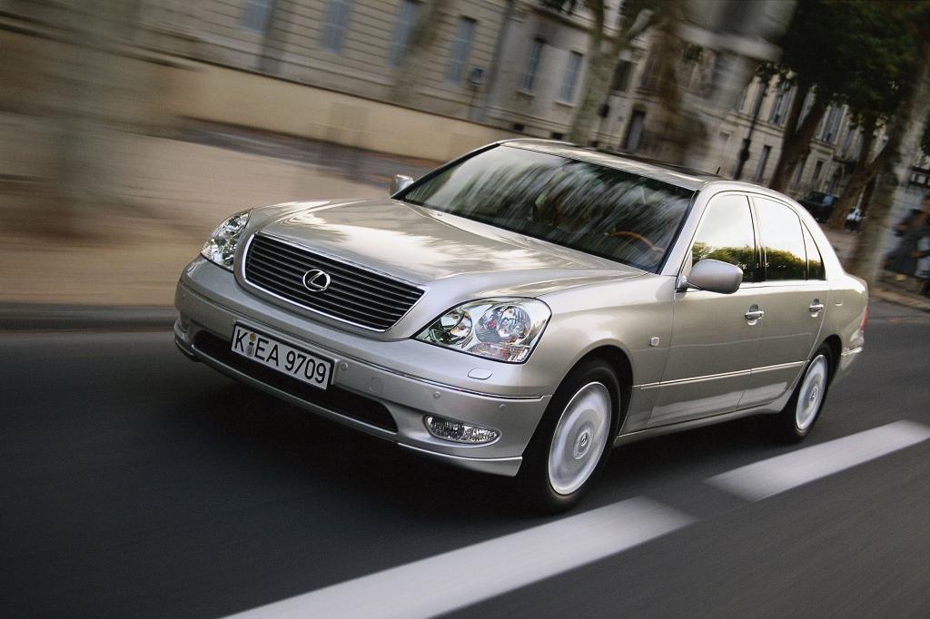 Auch Japaner bauen V8-Limousinen, wie die Toyota-Edeltochter Lexus mit dem LS schon seit 1989 zeigt