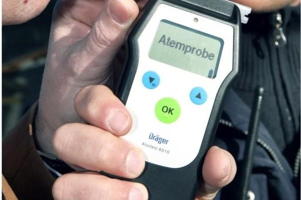 Autofahren in Frankreich - Alkoholtester hinter der Grenze Mangelware