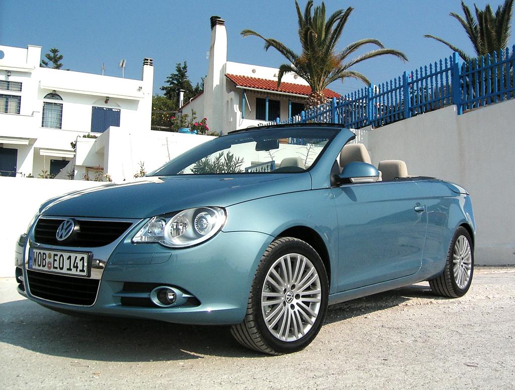Beim VW Eos, hier noch die Erstauflage, handelt es sich um einen Hardtop-Vertreter.