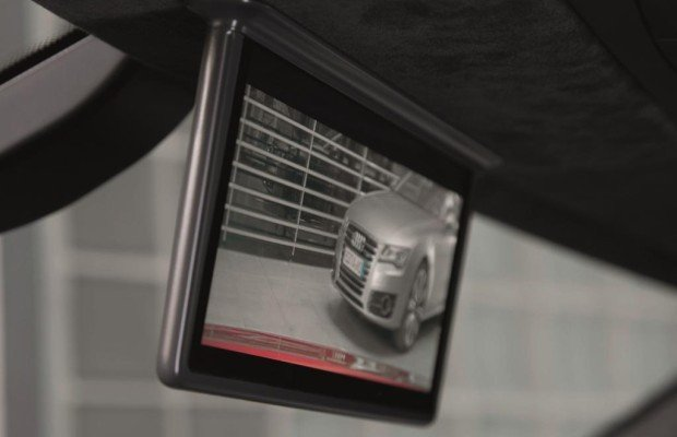 Bildschirm statt Innenspiegel - Die Kamera schaut nach hinten