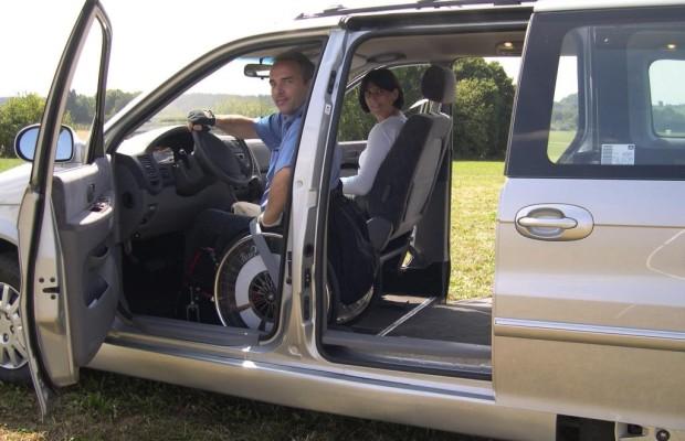 Carsharing für behinderte Autofahrer - Rolli statt Fahrersitz