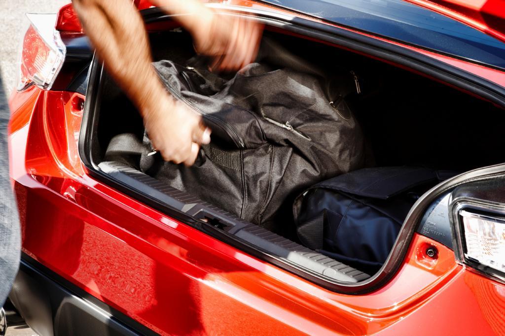 Der Kofferraum ist konzeptbedingt eher klein
