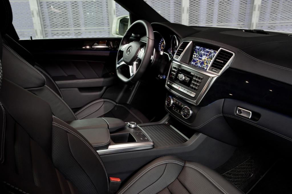 Der Rock'n'Roll Bomber – Fahrbericht Mercedes-Benz ML 63 AMG