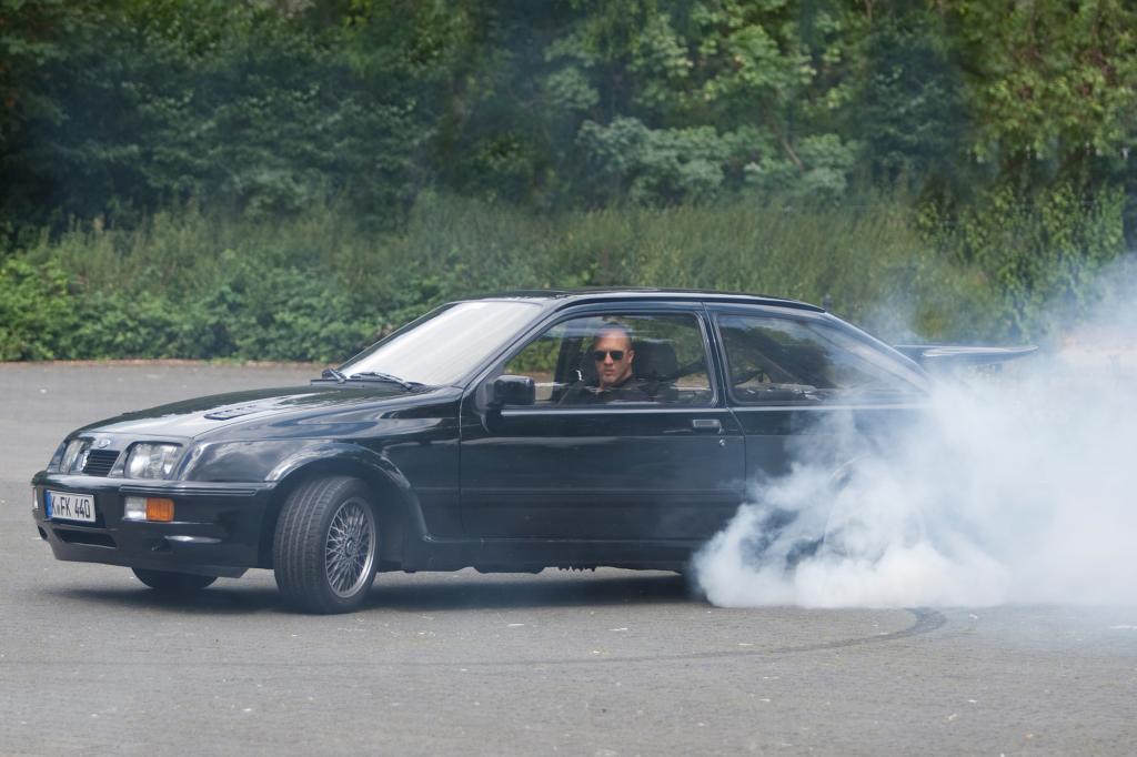 Der Sierra RS Cosworth rennt bis zu 241 km/h schnell