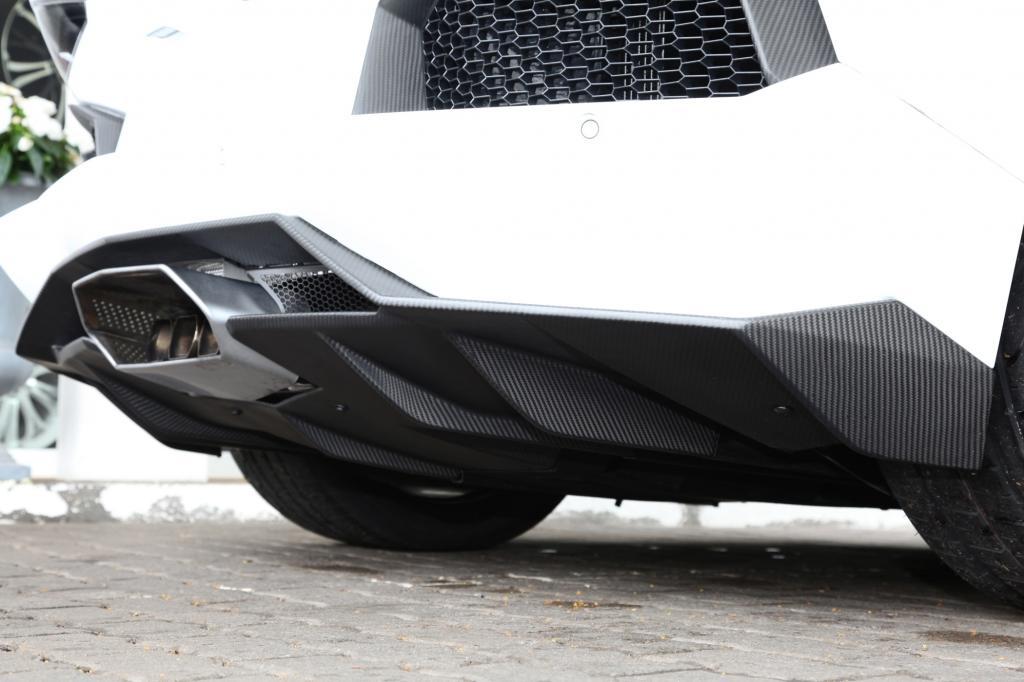 Der getunte Aventador LP 700 absolviert den Sprint auf 100 km/h in 2,8 Sekunden