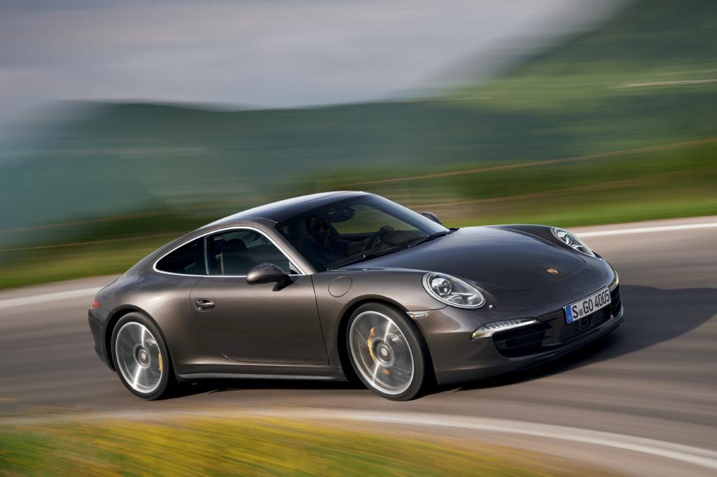 Der neue Porsche 911 Carrera treibt bald auch die Vorderräder an