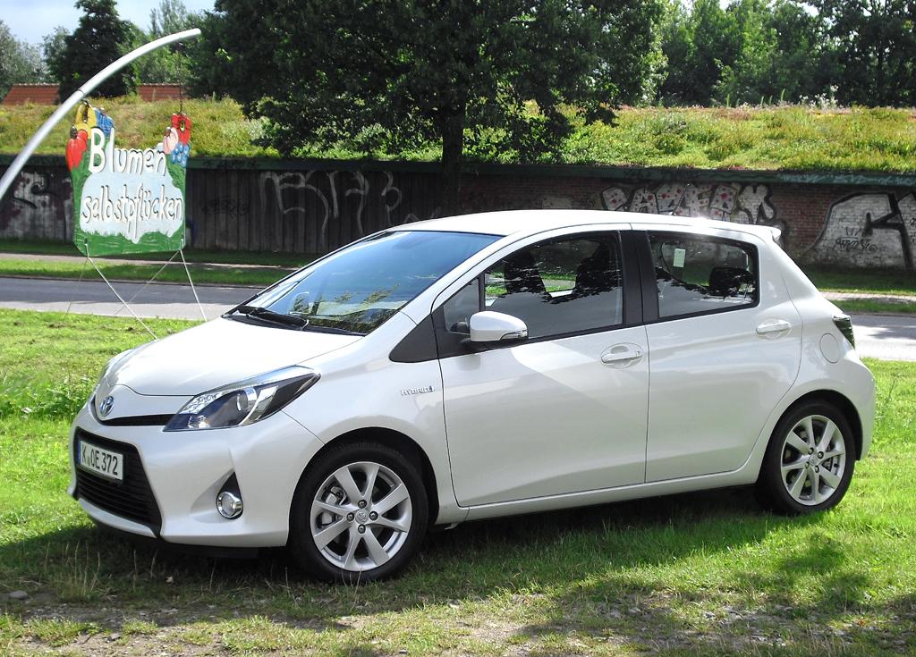 Flotter Flitzer: Toyota Yaris Hybrid. Fotos: Koch
